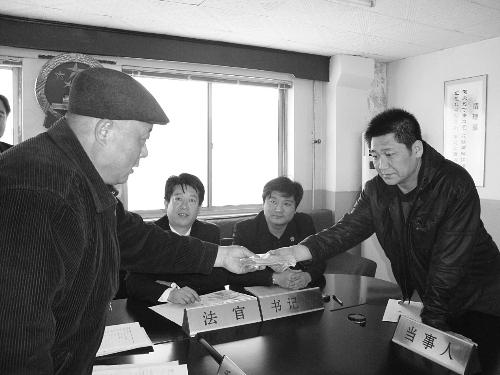 秦皇岛海港分局局长刘