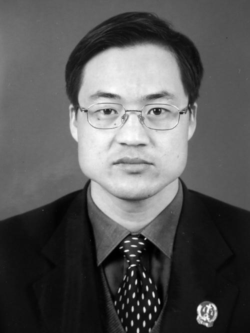同事印象  辽宁省葫芦岛市连山区人民法院杨